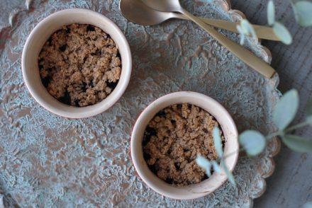 Morgenmads crumble med blåbær