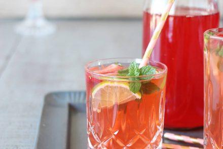 Opskrift på jordbær-hyldeblomstsaft