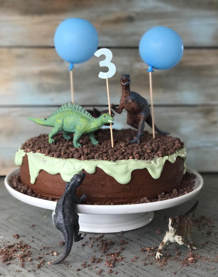dinosaur-kage til børnefødselsdag