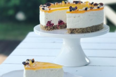 Cheesecake med hindbær og havtorn