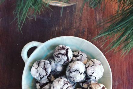 krakelerede chokolade cookies
